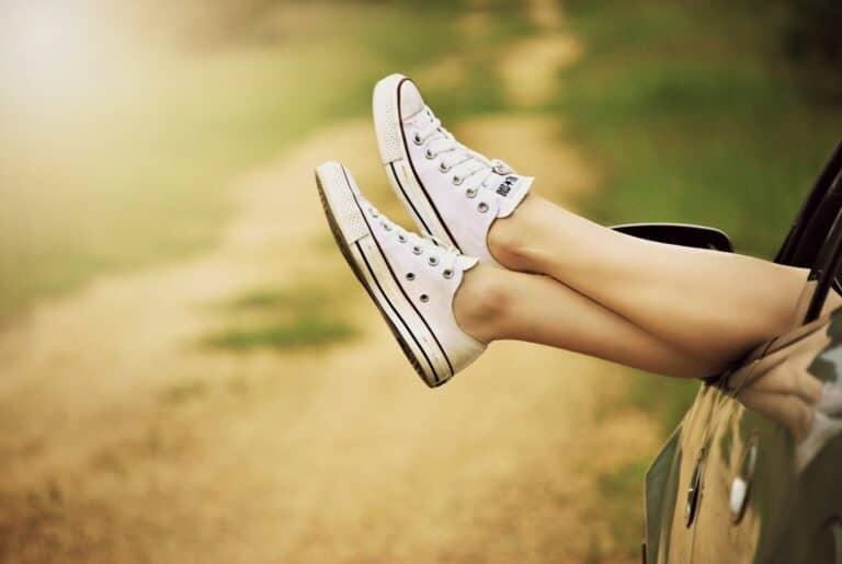 Tvätta converse-skor